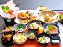 【プチ贅沢プラン】ご夕食の地元の旬の味覚を使った会席料理にアワビ付き【1泊2食】
