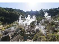 白鳥温泉上湯から遊歩道を歩いて5分先にある源泉のある「地獄」
