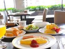 朝食バイキング 洋食メニュー例★オムレツやクロワッサンなど、ホテルならではのメニュー