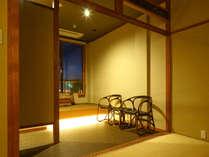 和室10畳【びわこなないろ◆こがね】/■1階■縁側をみたてた空間に腰掛けて眺めを楽しみませんか。