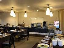 レストランの飲み放題コーナーです、生ビール・焼酎・ジュース・ワイン・日本酒など豊富です