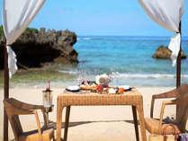 プライベートビーチでのお食事