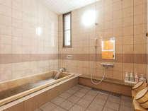 【桧のお風呂】専用桧風呂をお楽しみください。