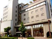 JR鳥取駅から徒歩5分でアクセス便利!しかもホテルなのにかけ流しの天然温泉を大浴場で堪能♪