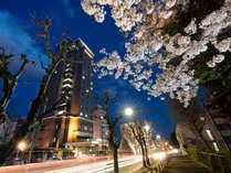 長野市中心部に位置する観光拠点。数あるホテルの中で善光寺へのアクセスは1、2の好立地!