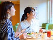 朝食は和洋のビュッフェをたっぷりと♪笑顔はじける幸せ朝食(#^^#)
