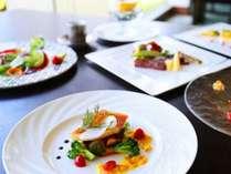 レストラン彩では経験豊富なシェフによるフレンチや和歌山の食材にこだわった和食会席がお楽しみ頂けます。