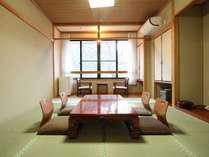 和室10畳(バス・トイレ付)予算のある人なら、ぜひこのお部屋へ。