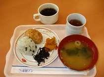 毎日うれしい朝食無料サービス!