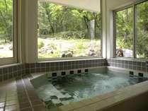 朝風呂も心地よい借景の展望風呂 NO7