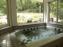 朝風呂も心地よい借景の展望風呂 NO9