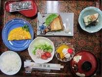 朝食の和食膳になります