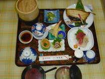 ビジネスプランの夕食となります。季節によって食材は変わりますので、写真は一例です