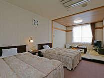 *和洋室一例/6畳の和室+洋室ツイン。全室山側各フロアに1部屋ずつございます。