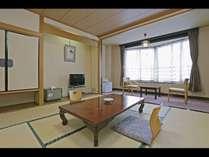 和室8畳一例/渓谷沿いではないですが、眺めがいいです♪