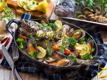 【3~5月・夕食ブッフェ】魚介の旨みが溢れる噴火湾産ソイのアクアパッツァ。