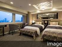 広さ24平米/ベッド2台(ベッド幅122cm・長さ196cm・高さ51cm)