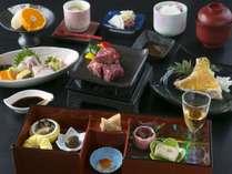 夏のメインコースは県産魚の造里と長崎和牛をご用意しております。