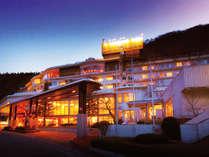 夕刻の東山グランドホテル