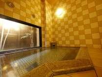 男女別大浴場。女性大浴場は入り口に鍵付き。ご利用時間⇒15:00~2:00 5:00~10:00