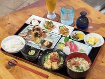 *【沖縄御膳/一例】地産料理をたっぷりと楽しめる和食膳です。