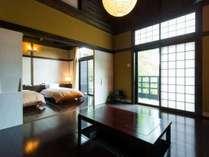 客室|【別館】木々に囲まれたロッジ風の宿泊棟にあるお部屋。