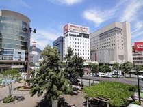 JR長野駅を出てすぐの風景。ホテルが正面に見えます。