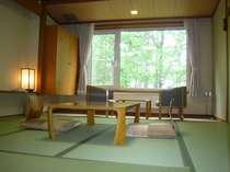 落ち着きのある和室のお部屋です