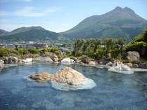 女性専用露天風呂「空海の湯」~約150畳もの広さで由布岳を借景にした景色は最高♪