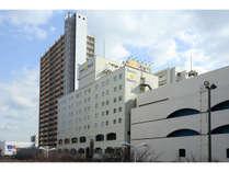 ホテル外観(駅2階出口側より)