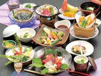 旬の食材を使用した当館自慢の会席料理をご用意致します(写真はイメージです)