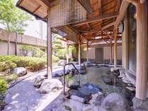 *露天風呂/自然が織り成す景観を眺めながらゆっくりと湯船に浸かる贅沢。