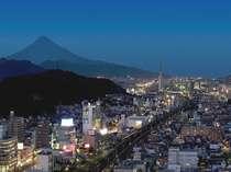 ホテル自慢の夜景・眺望をお楽しみください。東側のお部屋からは富士山もご覧いただけます。
