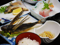 【夕食一例】屋久島で漁獲量が高いトビウオは通年で食べられます!ぜひこの機会にお召し上がりください♪
