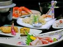 新鮮な旬の若狭の海の幸を中心にした会席料理。海の見える宿むらみやならではのお食事をお楽しみください。