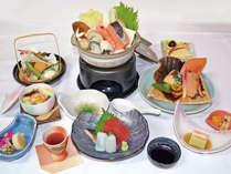 *夕食一例/「寄せ鍋」がメインの冬の会席料理一例。