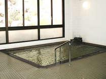 *大浴場一例/24時間入浴可能な男女別大浴場。とろみの強い、天然温泉です。