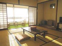 *西館旧館和室一例/本館よりも古めの旧館タイプとなります。広縁付きなのでゆったり。