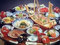 おもてなしの料理として育まれた伝統の味「長崎卓袱」(写真は盛合せ例)