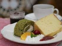オーナー手作りのシフォンケーキセット。ふわふわでしっとりした食感は地元でも大人気