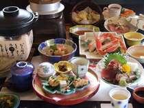 旬の食材が並ぶ芙蓉別館特製会席(例)