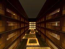 ◇東京の喧噪を忘れる静かで開放的な14階の中庭