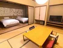 【特別室鶫(つぐみ)】源泉かけ流し展望風呂+和室+ベッドのお部屋。平日16000円以下のお得プライス。