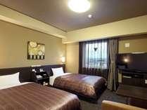 【コンフォートツインルーム】ベッド幅:110cm、Wi-Fiスポット設置、40型液晶TV、WOWOW視聴可能