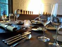 テーブルセット ~楽しいディナーの時間です