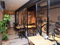 1Fパンケーキ専門店カフェ「HUMMING BIRD」