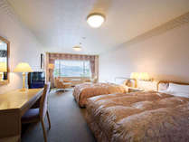 スーペリアツイン/41平米。落ち着いた雰囲気の広めのツインルームです。