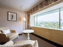デラックスツイン/58平米。最上階に位置する前室付きのペントハウスです。
