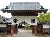 会津武家屋敷/会津エリア。会津の郷土料理を味わえる「御食事処 九曜亭」などがあります。