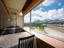 和食レストラン「和楽」から臨む磐梯山